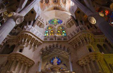 Vista interna della Sagrada Familia